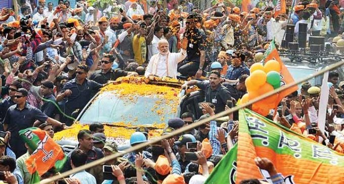 UP Elections 2017: Big roadshows steal the day in Varanasi