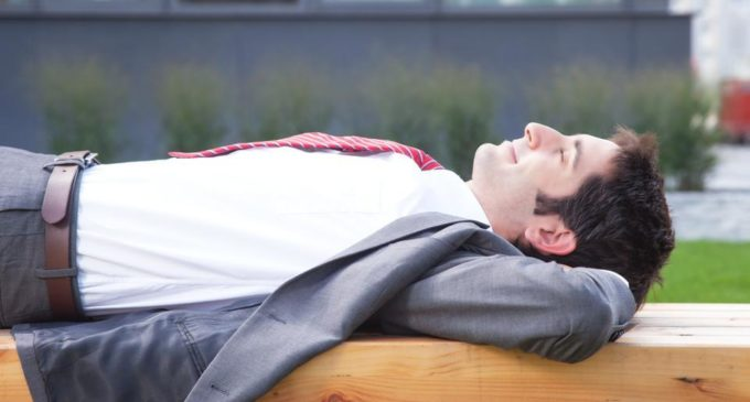 Afternoon power nap: Just 20 minutes of sleep can boost employees' creativity