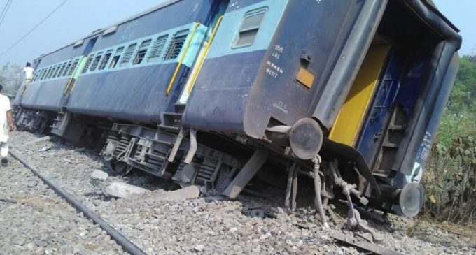 Meerut-Lucknow Rajya Rani Express derails in UP
